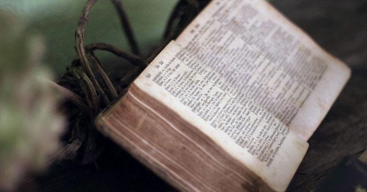 Kitab Kitab Dalam Alkitab Sejarah Alkitab Siapakah Yang Menulis Alkitab
